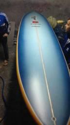 Longboard 9'4 muito novo com quilha capa e leash