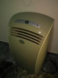 Vende se um ar condicionado portátil