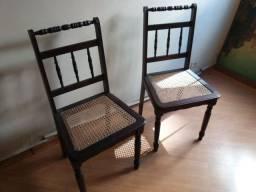 Cadeiras Colonial conservadas