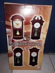 Relógios com pendolos.