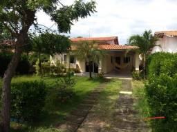 Casa a venda no Condomínio Quintas do Parque, com 4 suítes