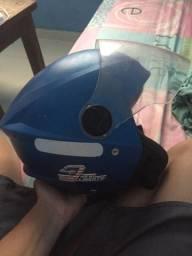 Vende se esse capacete