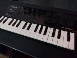 Teclado Controlador MIDI - M-Audio