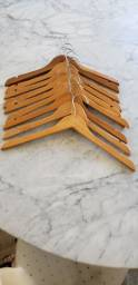 cabides de madeira semi novos