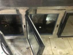 Freezer Inox gelado 220W com termostato. Entrega grátis em Macaé.