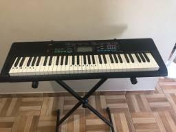 Vendo teclado profissional pouco usado