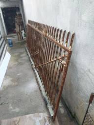 Portão de ferro mede 4,10 x 1,37 portão de correr (portão inteiro)