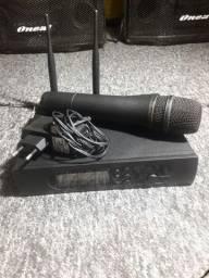 Microfone proficional Ht 228.