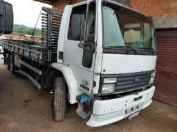 Caminhão modelo cargo