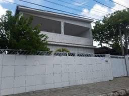 Casa em Mangabeira 03 quartos 02 suítes, próx mercado público,Av. Josefa Taveira. Com 251m