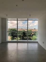 Sala no Centro Empresarial shopping da Ilha, 3º andar com divisórias por R$ 1500
