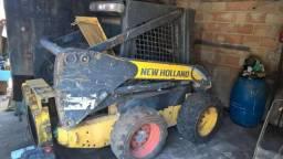 Mini carregadeira New Holland 215