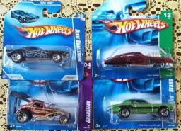 Coleção de Miniaturas Hot Wheels Escala 1 64 - Lote de 4 unidades