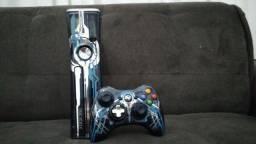 Xbox 360 edição especial Halo 4, e de brinde controle personalizado do Halo 3