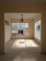 Apto 3 quartos (1 suite), 2 banheiros, 3 salas, cozinha grande c/ área serviço