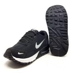 Tênis Infantil Nike Air Max 90 Essential<br>