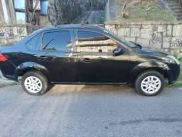 Fiesta Sedan com GNV (ar, vidro, trava, alarme, direção)