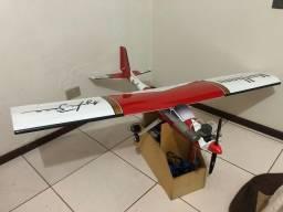 Vendo ou troco Aeromodelo Novo
