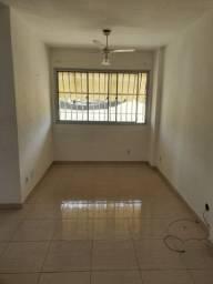Apartamento no Centro com 2 quartos e 1 vaga de garagem