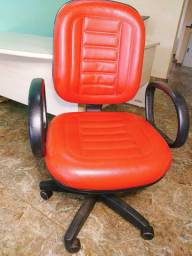 Mesa em L + cadeira