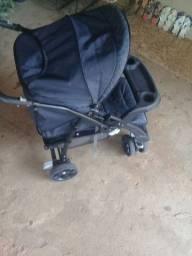 Vendo esse carrinho de bebe novo meu bebê quase nao usou da galzerano