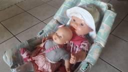Bonecas - 02 unidades  c/ bebê conforto