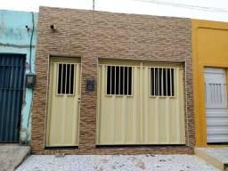Vendo uma casa no bairro Tiradentes