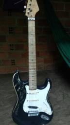 Guitarra muito boa