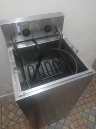 Fritadeira com 2 cestos