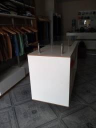 Troco em Notbook ou vendo Balcão ilha movel para loja