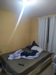 Alugo 2 quartos no Cabral