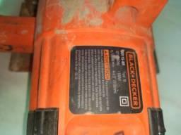 Vendo uma serra mármore Black Decker 180 ,00 reais (cento e oitenta reais)