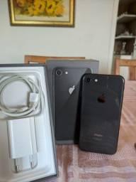 iPhone 8 Preto 64gb Muito Novo na Caixa com Carregador Original