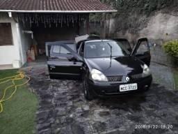 Clio Sedan 1.0 16v em perfeito estado e revisado