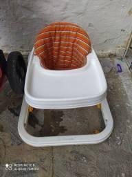 Andador / cadeira de alimentação