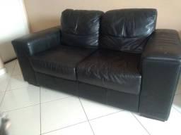 Sofá em couro legítimo