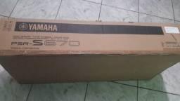 Teclado Yamaha Arranjador Psr-s670 Preto