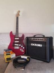 Guitarra Fender Squier + Pedal Os-2 Boss + Amplificador Meteoro + 2 Cabos Santo Angelo