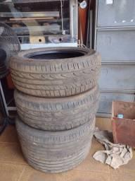 Vende-se pneu semi-novo