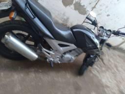 Cbx 250cc Twister ano 2005