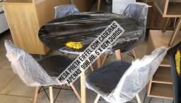 Jogo de mesa Eiffel com 4 cadeiras! Entrega e montagem grátis em Macaé.