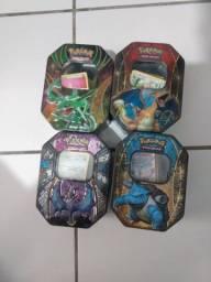 Cartas pokémon, caixa, sleeves, moedas.