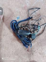 Vendo todos esses itens  cabo eca e cabo de bateria valor 100 reais