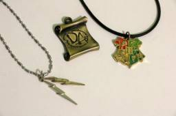 Harry Potter Kit com 3 pingentes - Hogwarts, Raios e Armada de Dumbledore