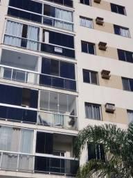 Alugo mobiliado apartamento de três quartos com suítes