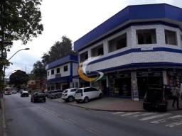 Loja em Petrópolis no bairro Cascatinha, frente para a rua com 32 m² e estacionamento