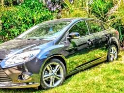 Ford Focus em excelente estado de conservação - 2015