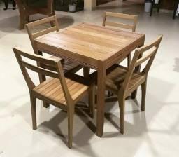 Conjunto mesa + cadeira