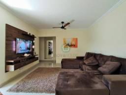 Lindo apartamento no Cond. Bariloche - ! suite e 2 Dormitórios - Excelente localização.