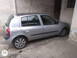 Vendo Renault Clio hatch 1.6 16 Válvula Versão Privilegie 2005 Completo